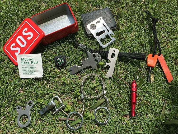 Portable SOS Tool Kit Earthquake Emergency Onboard Outdoor Survival - Red 2